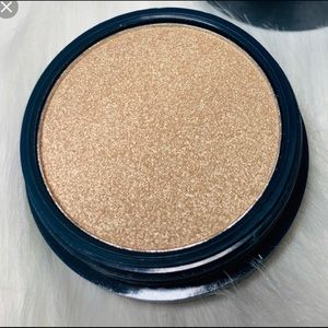 space Case Makeup - Space Case Highlighter